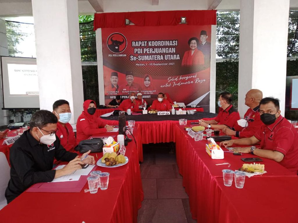 Ketua PDIP Sumut Janjikan Fortuner bagi DPC Peraih 35% Kursi DPRD di 2024
