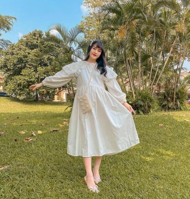 Vanessa Andrea atau yang lebih dikenal 'Cherry Dreamy', merupakan seorang fashion blogger dan fashion influencer.