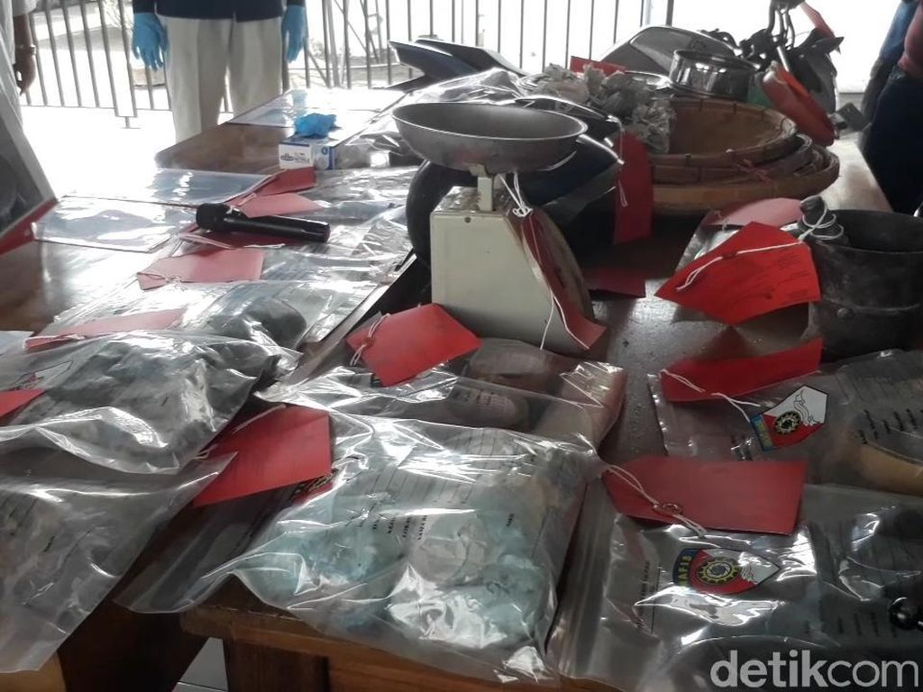 Bahan Peledak yang Ditemukan di Lokasi Ledakan Keras Pasuruan Capai 10 Kg
