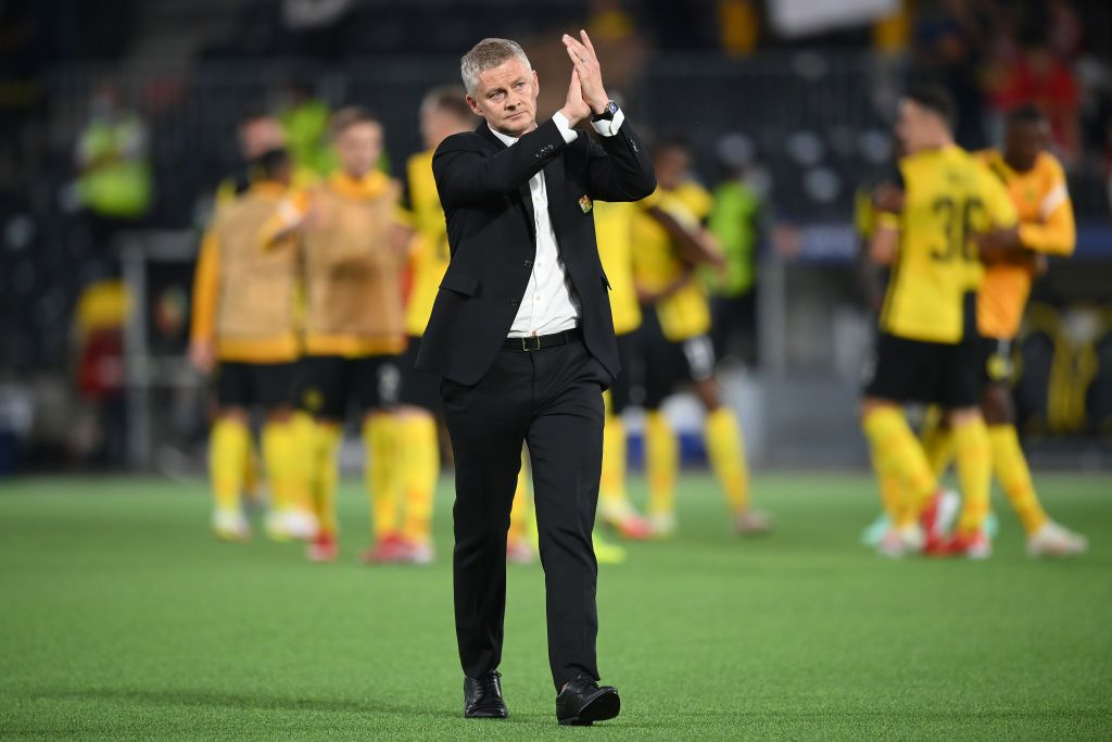 BERN, SWITZERLAND - SEPTEMBER 14: Ole Gunnar Solskjaer, Manager of Manchester United applauds fans after the UEFA Champions League group F match between BSC Young Boys and Manchester United at Stadion Wankdorf on September 14, 2021 in Bern, Switzerland. (Photo by Matthias Hangst/Getty Images)