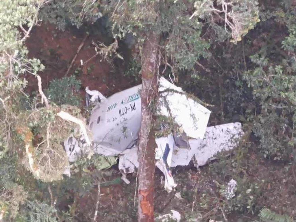 Proses Evakuasi 3 Kru Pesawat Rimbun Air, Ditemukan Meninggal Dunia