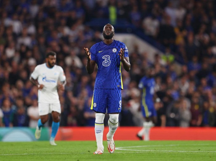 LONDON, ENGLAND - SEPTEMBER 14: Romelu Lukaku of Chelsea reacts during the UEFA Champions League group H match between Chelsea FC and Zenit St. Petersburg at Stamford Bridge on September 14, 2021 in London, England. (Photo by Catherine Ivill/Getty Images)