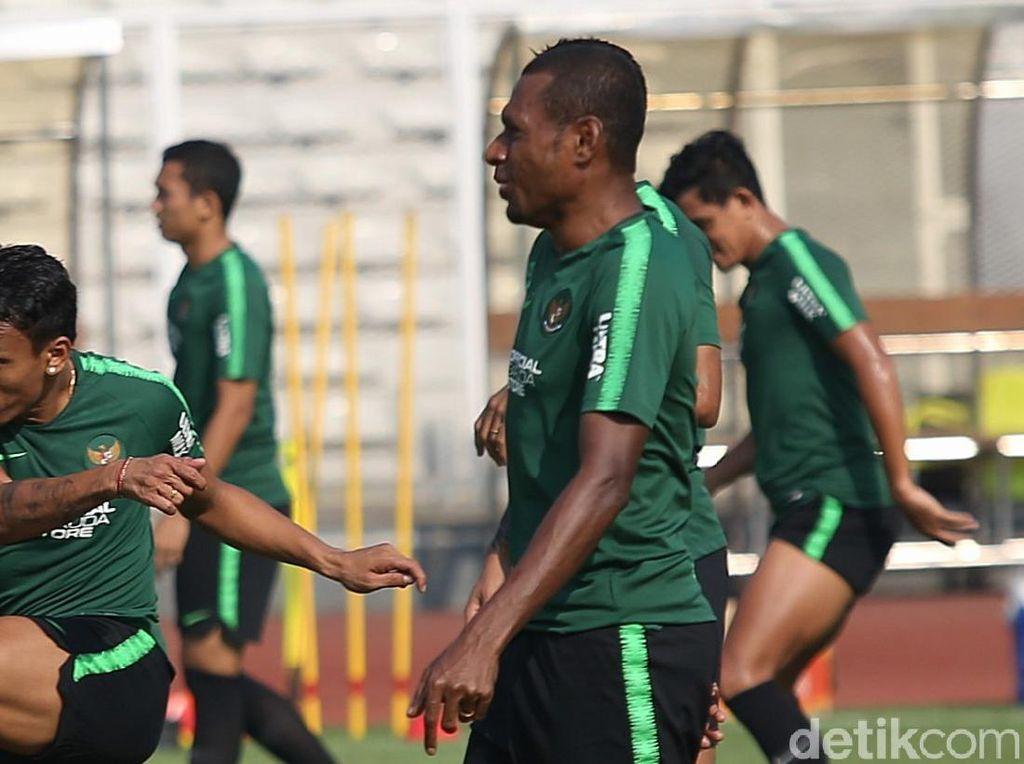 Dicoret Persipura, Yustinus Pae Akhirnya Merapat ke Klub Liga 2