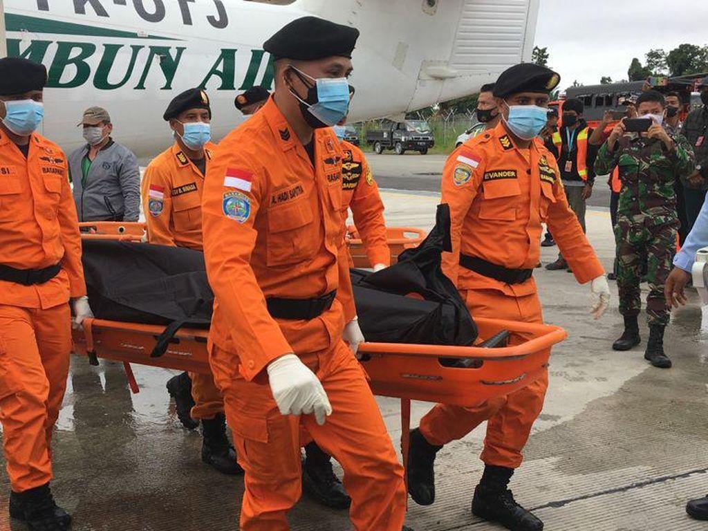 Jenazah Pilot-Teknisi Pesawat Rimbun Air Diterbangkan dari Papua ke Jakarta