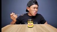 5 Reaksi Orang Indonesia Cicip Vegemite, Ada yang Mau Muntah