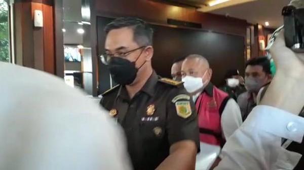 Alex Noerdin ditahan Kejagung (Yulida-detikcom)
