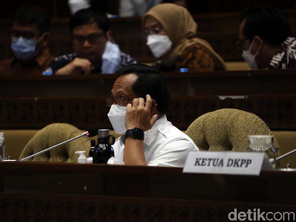 Mendagri Tito Usul Pemilu Digelar April 2024