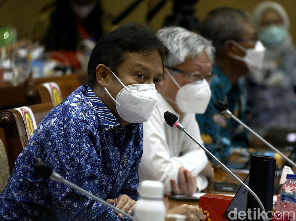 Menkes Minta Sumatera Barat Kejar Target Vaksinasi 4,4 Juta Orang