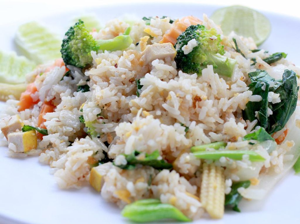 Resep Nasi Goreng Sayuran dan Tahu yang Cocok Buat Vegan