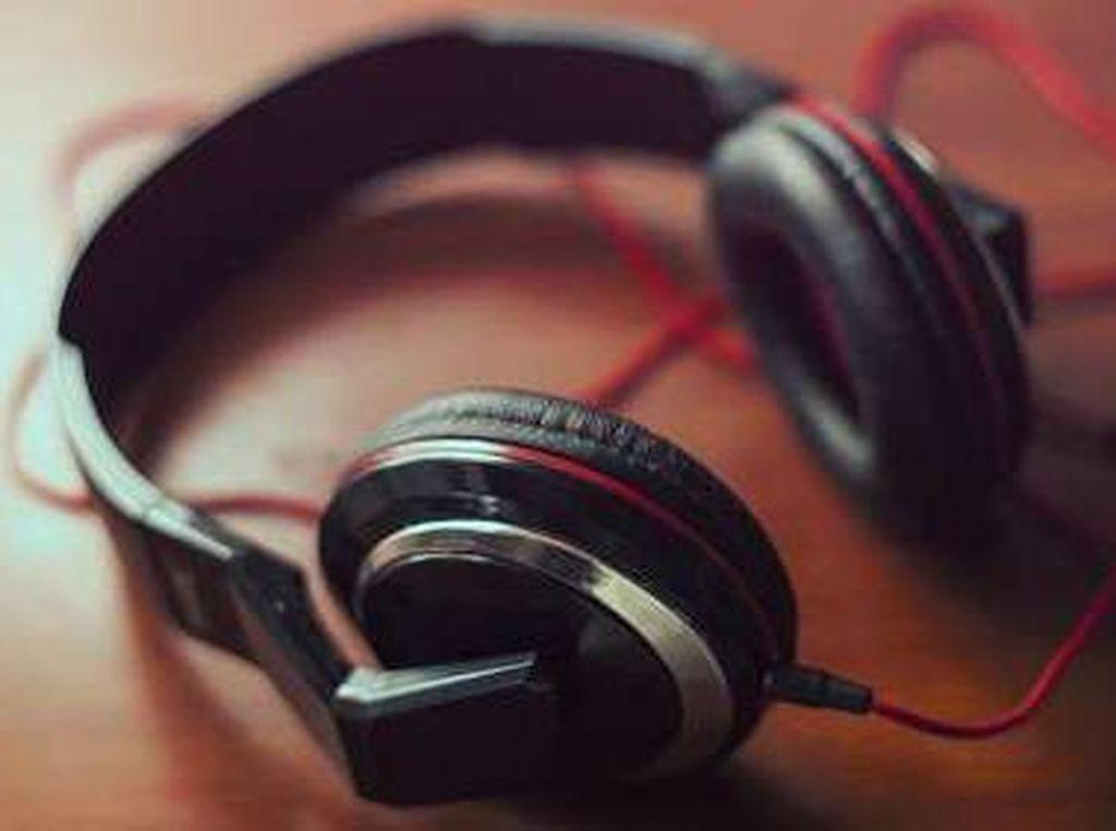 Santri Tutup Telinga Saat Ada Musik, Ini Komentar Yenny Wahid hingga MUI
