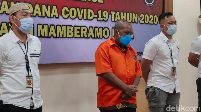 Eks Bupati Mamberamo Papua tersangka korupsi dana COVID Akhirnya ditahan