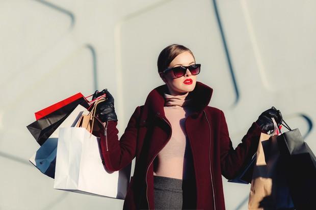 Leo thích mua sắm sang trọng