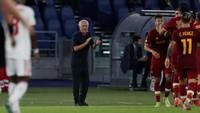 Roma Menang Besar, Mourinho Tak Puas