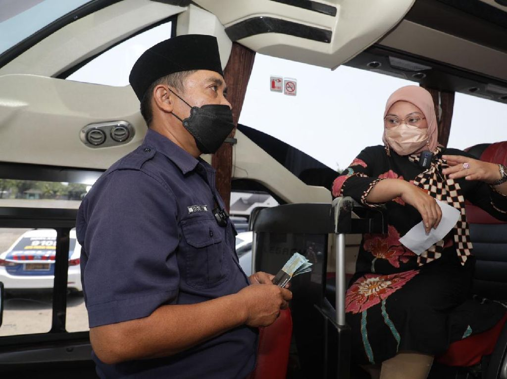 91 Pegawai Transportasi di Cilegon Dapat BSU, Menaker: Alhamdulillah