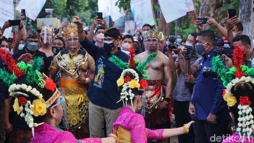 Sandiaga Kunjungi Desa Wisata Kampung Majapahit Mojokerto
