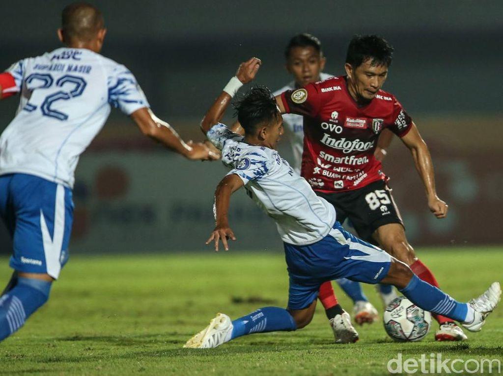 Hasil BRI Liga 1: 10 Pemain Bali United Tahan Persib 2-2