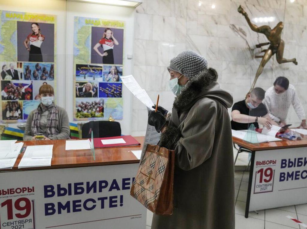 Partai Putin Unggul Pemilu, Oposisi Rusia Tuduh Kecurangan Massal