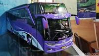 Awalnya Hobi, Pria Ini Bisnis Miniatur Bus Dibanderol Jutaan Rupiah