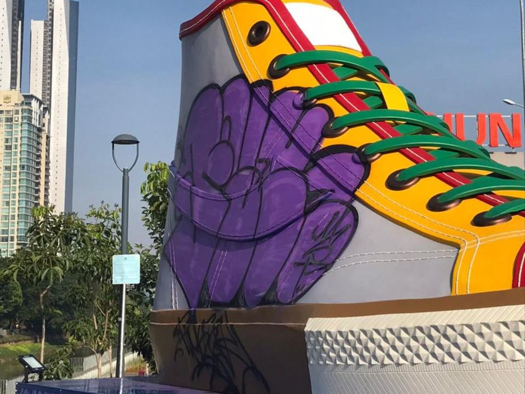 Janji Pak Wagub Usut Vandalisme Tugu Sepatu Salah Satu Ikon DKI