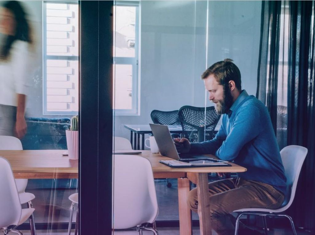 Peluang dan Tantangan Penerapan Ruang Kerja Hybrid