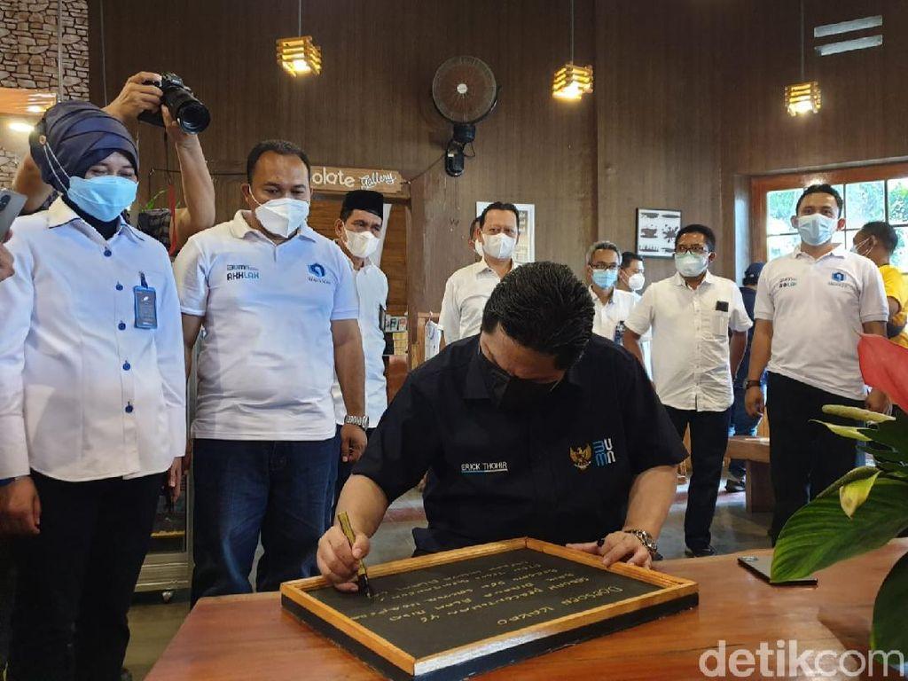 Menteri BUMN Dorong PTPN XII Percantik Wisata Doesoen Kakao Banyuwangi