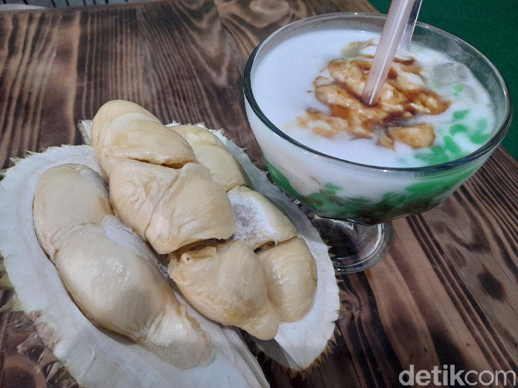 Di Warung Mabok Duren Ada 7 Minuman Durian Asli yang Legit Harum
