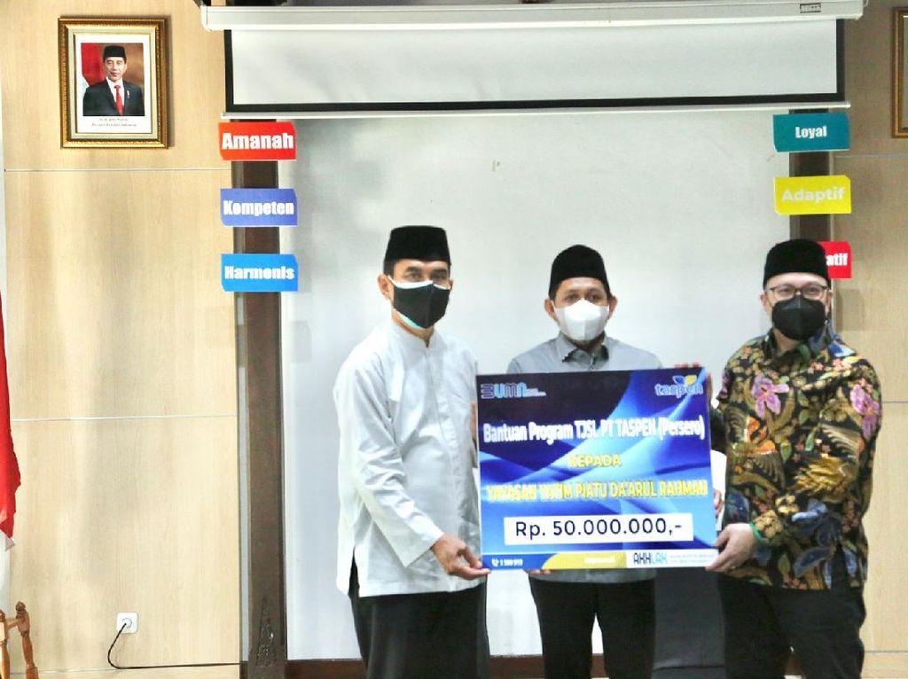 Taspen Beri Bantuan Rp 50 Juta ke Ponpes Yatim Piatu Daarul Rahman