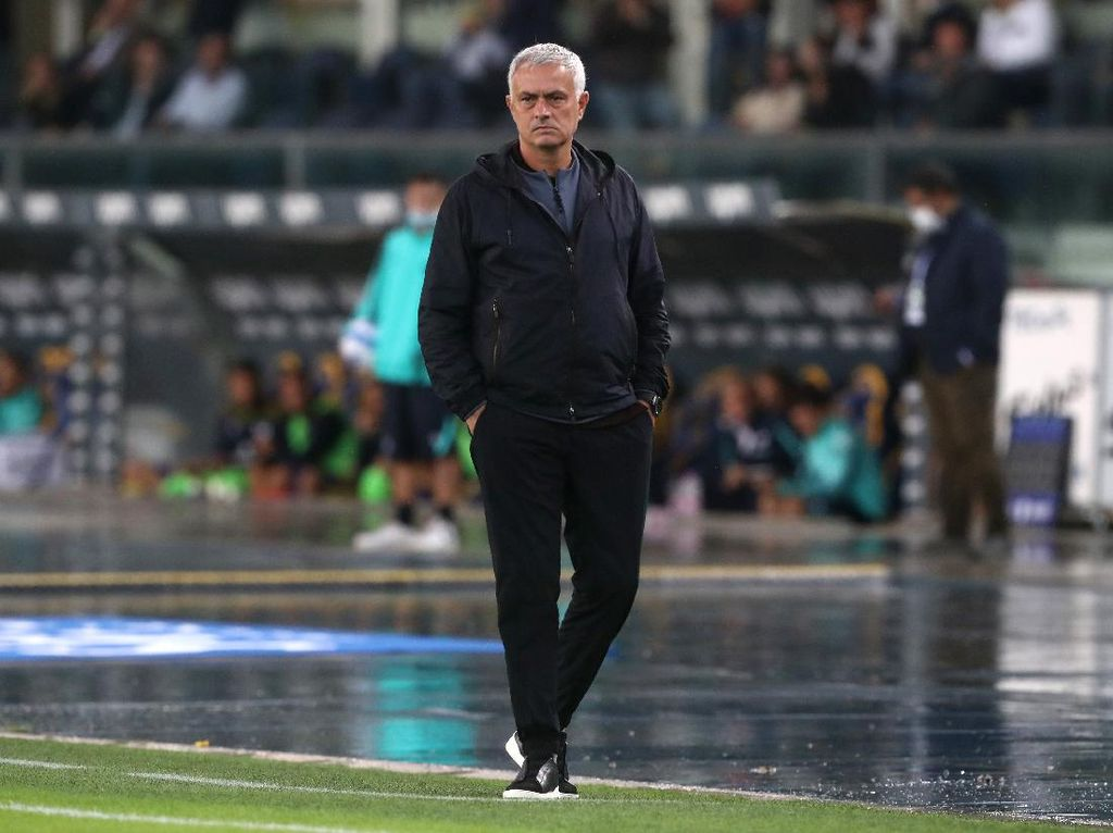 AS Roma Tumbang, Jose Mourinho Bilang Begini