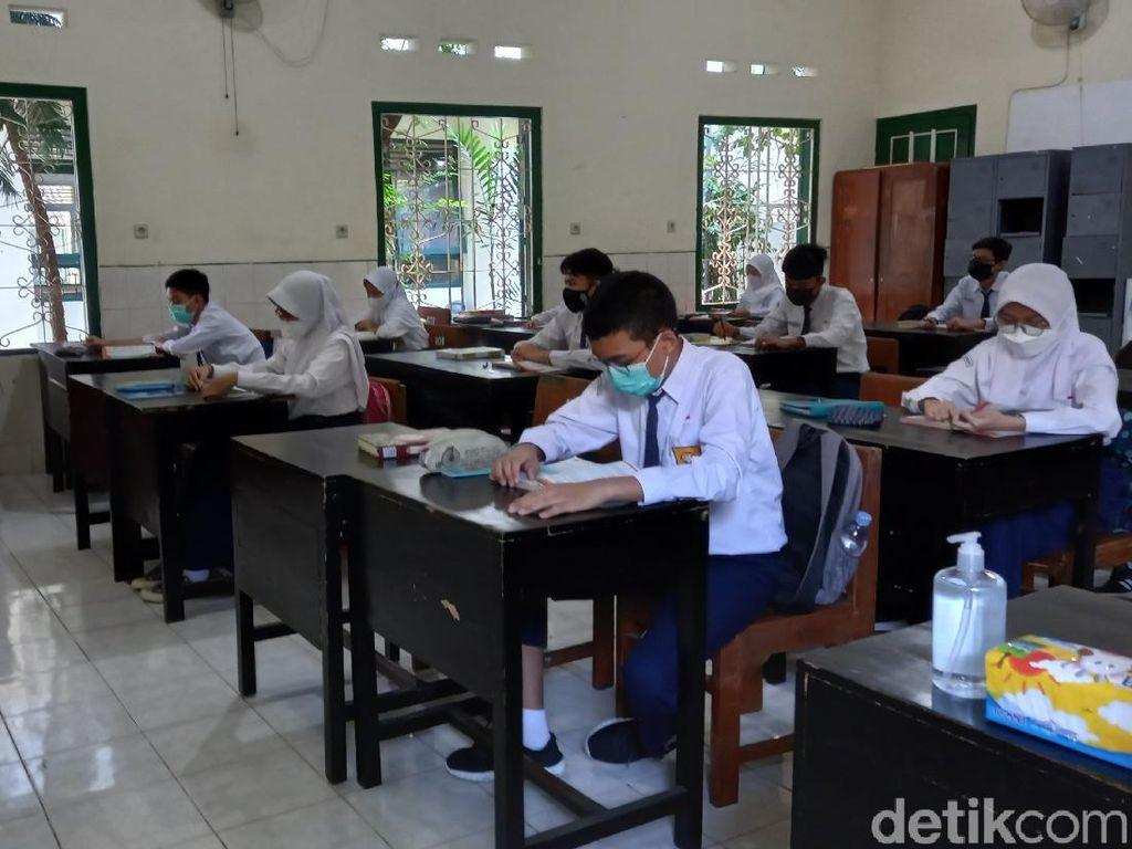 Hari Pertama PTM, Siswa SMPN 5 Kota Yogyakarta Masih Canggung Bersosialisasi