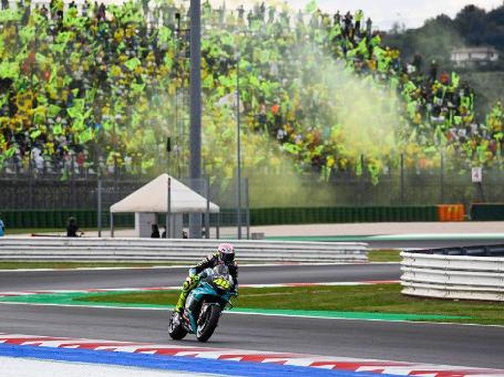 Perpisahan Pahit di MotoGP San Marino, Rossi Minta Maaf ke Fansnya