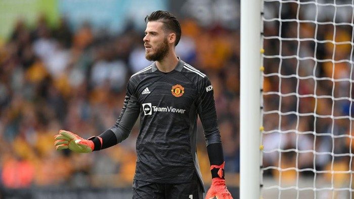 WOLVERHAMPTON, ENGLAND - AUGUST 29: David de Gea of Manchester United looks on during the Premier League match between Wolverhampton Wanderers  and  Manchester United at Molineux on August 29, 2021 in Wolverhampton, England. (Photo by Michael Regan/Getty Images)