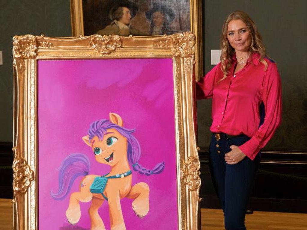 Magis! Galeri Seni Kuda Poni Ubah Lukisan Jadi Bergerak