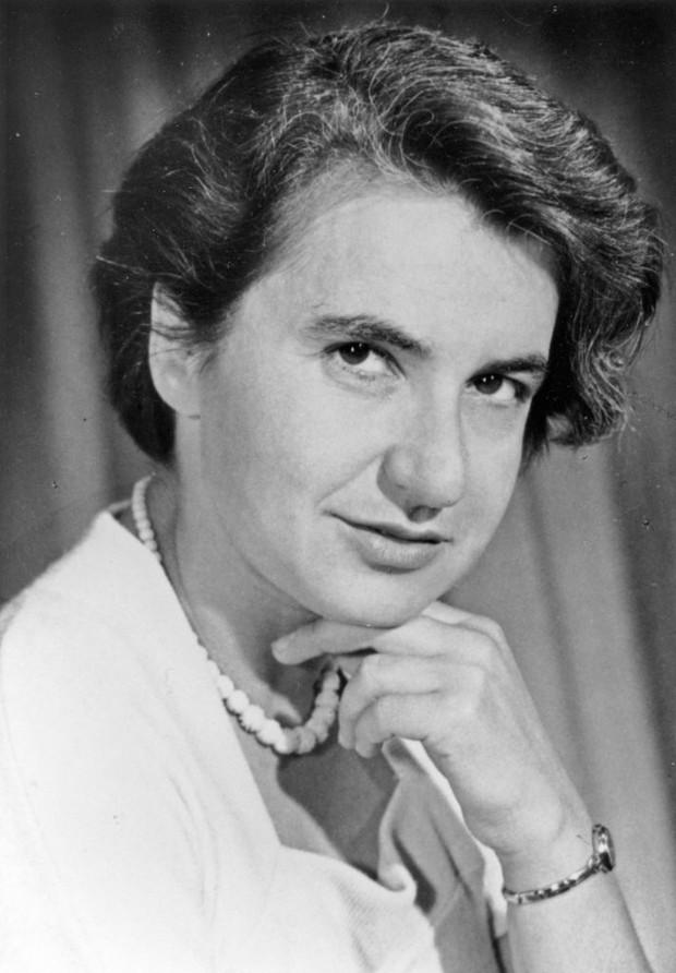 Rosalind Franklin là một nhà khoa học đã thành công trong việc khám phá ra cấu trúc của DNA