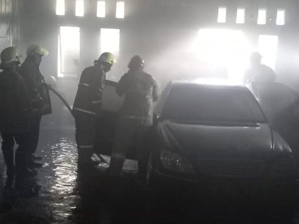 Kebakaran Bengkel di Duren Sawit, Diduga Berasal dari Mobil Mercy