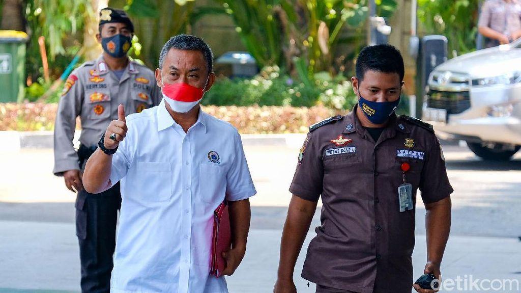 Tenteng Map Merah, Ketua DPRD DKI Penuhi Panggilan KPK