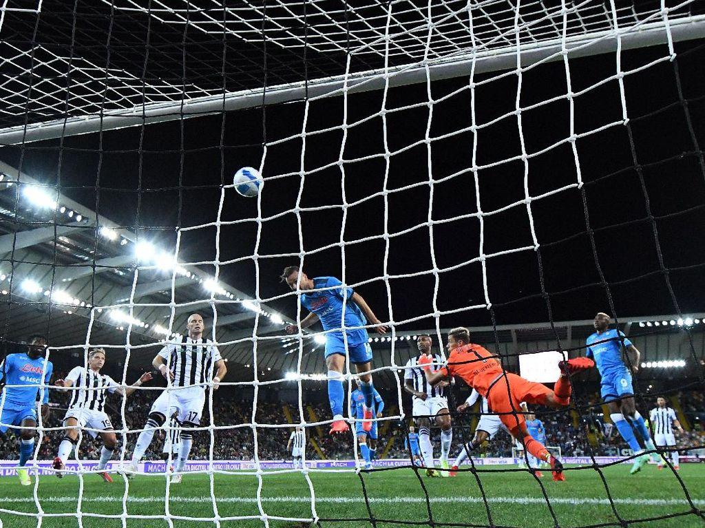 Hajar Udinese 4-0, Napoli Masih Sempurna di Liga Italia