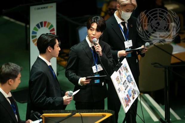 RM, Jung Koo, Jimin và j-hope đã có bài phát biểu