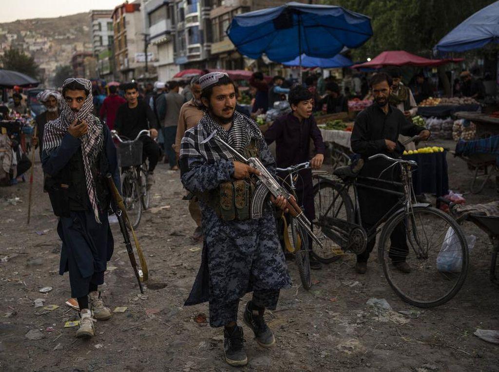 Ledakan Bom Tewaskan Komandan Taliban, Lukai 11 Orang Lainnya