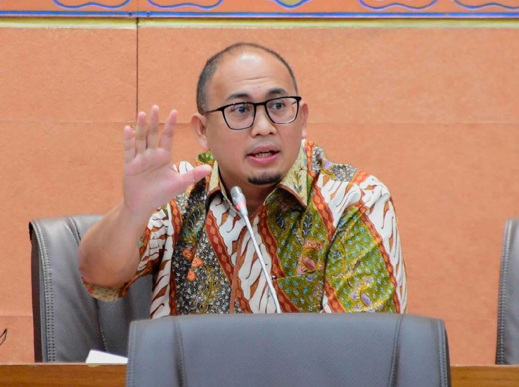 Andre Rosiade Desak Bahlil Koordinasi ke Pemda Soal Izin yang Tumpang Tindih