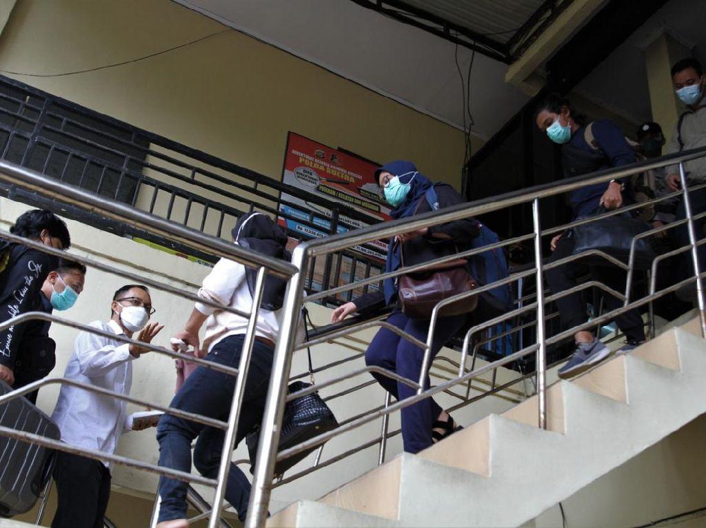 Selain Bupati Kolaka Timur, Ajudan-Kepala BPBD Juga Diamankan KPK