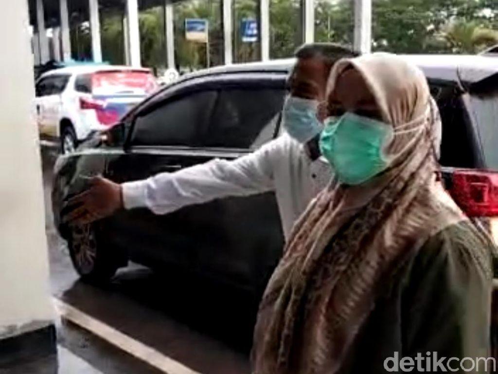 Bupati Koltim yang Kena OTT Diterbangkan ke Jakarta, Begini Penampakannya