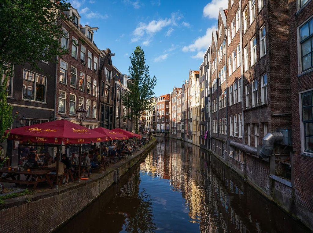 Belanda Buka Pintu untuk Turis yang Sudah Divaksinasi, Tak Perlu Karantina