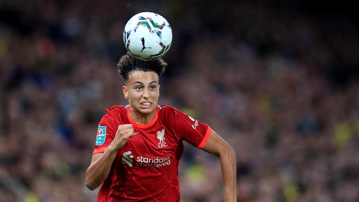 NORWICH, ENGLAND - SEPTEMBER 21: Kaide Gordon of Liverpool during the Carabao Cup Third Round match between Norwich City and Liverpool at Carrow Road on September 21, 2021 in Norwich, England. (Photo by Stephen Pond/Getty Images)