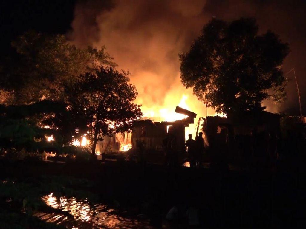 Kebakaran di Permukiman Padat Penduduk Makassar, 21 KK Jadi Korban