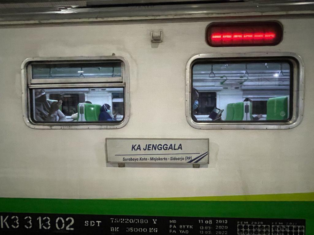 52 Kereta Lokal di Daop 8 Surabaya Kembali Beroperasi Mulai Hari Ini