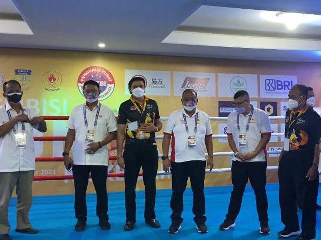 Ketua KONIPusat Buka Eksibisi Kickboxing di PON Papua