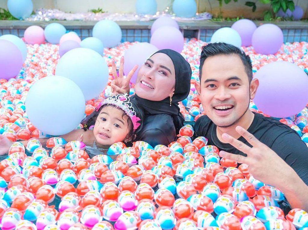 Mewah! Crazy Rich Malang Rayakan Ultah Anak dengan Kolam Kinder Joy