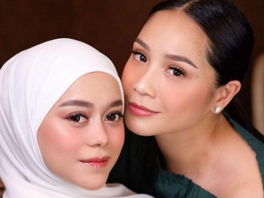 6 Pesona Cantik Lesti Kejora & Nagita Slavina, Duo Bumil yang Makin Glowing