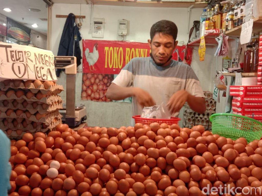 Penyebab Harga Telur Makin Anjlok Versi Pedagang, Bikin Kaget!