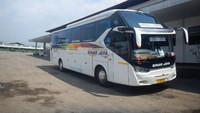 Rahasia Mesin Bus Hino RN 285 Tak Kepanasan Digeber 143 Km/jam di Trans Jawa